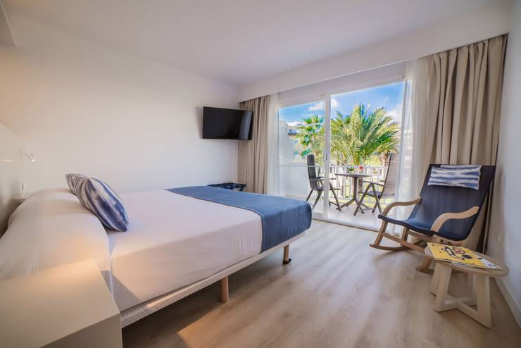 Double room deluxe blau punta reina resort majorca