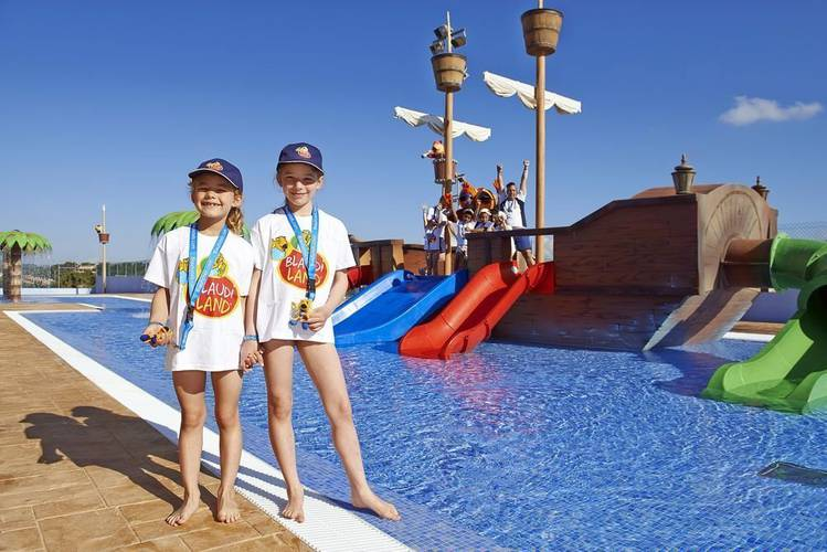Бассейн blau punta reina family resort майорка